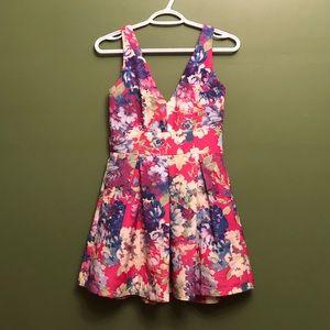 Floral mini dress - size small